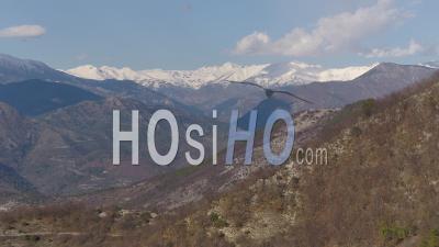 Chaîne De Montagnes Enneigée Dans Les Alpes, Vidéo Drone