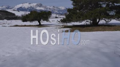 Paysages Enneigés Autour D'ancelle Vidéo Drone