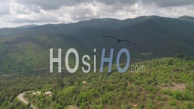 Vue Aérienne De La Vallée De Soudorgues, Dans Les Cévennes - Vidéo Drone, France