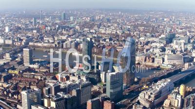 Southwark Et Blackfriars, La Tamise, Londres Filmée Par Hélicoptère