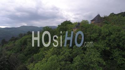 Vue Aérienne Du Château Du Solier Dans Les Cévennes - Vidéo Drone, France