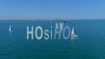 Yacht Ocean Sailing Race The Solent Uk - Vidéo Drone