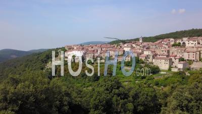 Mons, Typical Provencal Village - Vidéo Drone