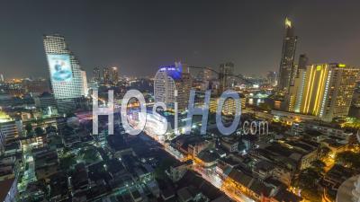 Paysage Urbain Tard En Soirée Dans Le Centre-Ville De Bangkok, En Thaïlande - Vidéo Drone