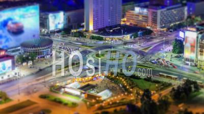Time-Lapse De L'intersection à Varsovie, En Pologne. - Vidéo Drone