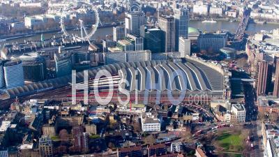 Vue Aérienne De La Tamise De London Eye à Blackfriars, Londres Filmée Par Hélicoptère En Hiver, Londres, Londres, Royaume-Uni