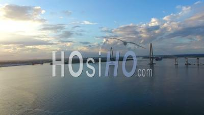 4k Aerial Epic Cinematic D'arthur Ravenel Jr. Bridge Charleston Sc - Vidéo Drone