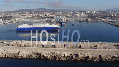 Arrivée Du Navire, Port De Marseille-Fos, Vidéo Drone