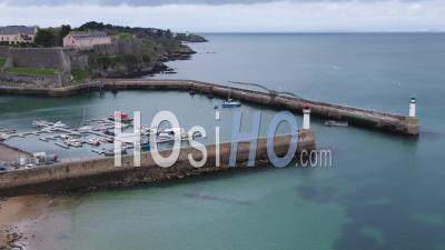 Port Du Palais Par Drone, Belle Ile, Bretagne, France - Vidéo Drone