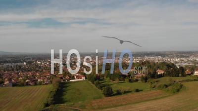 Villefranche Sur Saone Dans Le Beaujolais - Vidéo Drone
