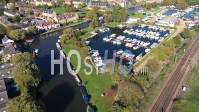 Ely Town Et Riverfront Filmés Par Drone Point De Vue