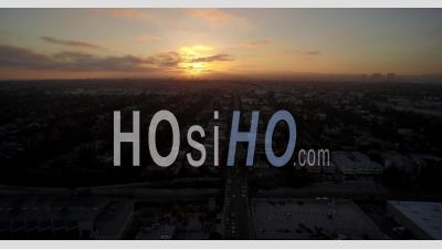 Vue Aérienne De La Ville De Los Angeles Et West Hollywood Au Coucher Du Soleil -Vidéo Drone