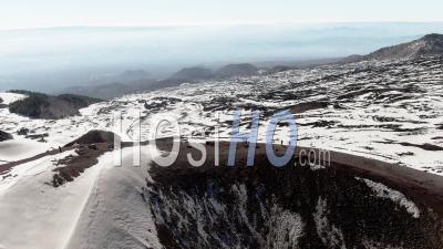 Petit Cratère Volcanique Sur L'etna En Sicile (italie) - Vidéo Drone