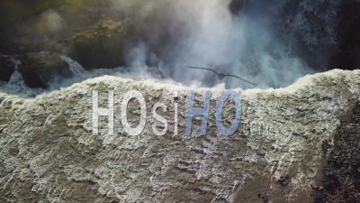 Vue Aérienne Sur Dettifoss, Islande, L'une Des Cascades Les Plus Remarquables Du Monde - Vu Par Drone