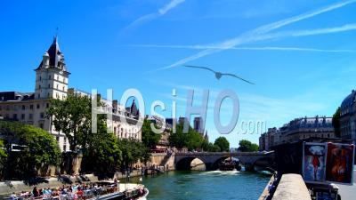 Quai Des Orfevres Timelapse, Paris, France