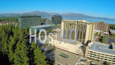 Vue Aérienne Sur Les Casinos à South Lake Tahoe, Nevada - Vidéo Drone