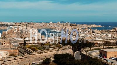 Les Villes De Vittoriosa Et La Valette Et L'entrée Du Grand Port De Malte - Vidéo Drone