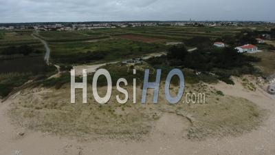Plage La Basse Benaie - Sainte-Marie-De-Ré - Vidéo Drone