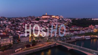 Vue Aérienne Générale De Coimbra La Nuit, Coimbra Skyline, Portugal - Vidéo Drone