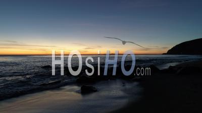Vue De L'océan Pacifique Et Des îles Anglo-Normandes - Vidéo Drone