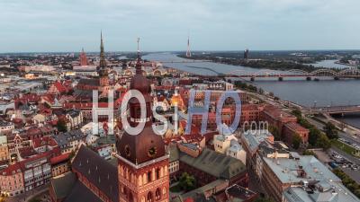 Vue Aérienne De Riga, La Cathédrale De Riga, Lettonie - Vidéo Drone