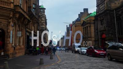 Le Royal Mile Médiéval Dans La Vieille Ville D'Édimbourg (Écosse)