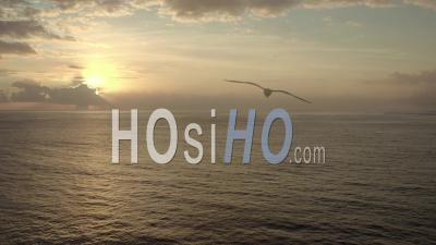 Coucher De Soleil Sur L'océan Pacifique, Polynésie Française, Vidéo Drone, France