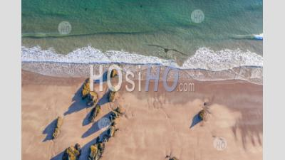 Top Down Drone View Over Sandy Beach In Scotland - Photographie Aérienne