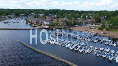 Luxury Homes, Real Estate And Mansions On Ross R Barnett Reservoir Near Old Trace Park, Jackson, Mississippi - Aerial Video By Drone