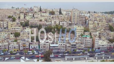 2019 - Aerial Video Over The Old City Of Amman, Jordan With Traffic And Cars On Road - Video Drone Footage