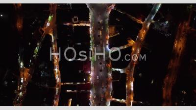 2019 - Aerial Video By Night, Following Cars Over The Old City Of Amman, Jordan With Buildings, Traffic And Cars On Road - Video Drone Footage