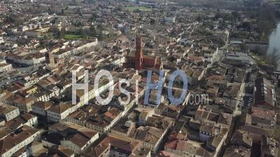 Villeneuve Sur Lot En Journée Ensoleillée - Vidéo Par Drone