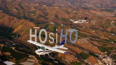 Twin-Engine Aircraft Is Beechcraft Duchess 76 , Singe Engine Is Cessna 172