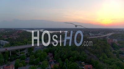 Coucher De Soleil Sur La Ville De Stockholm, Suède – Vidéo Drone