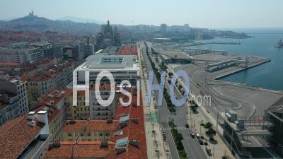Quai De La Joliette Dans La Ville De Marseille Au Jour 12, France - Vidéo Drone Footage