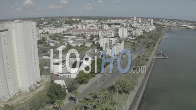 Confinement à Pointe A Pitre Guadeloupe - Vidéo Par Drone