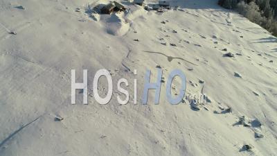 Alpine Du Truc En Vue D'hiver Par Drone