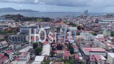 Confinement Pour Covid-19 à Fort-De-France, Martinique, Par Drone