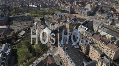 Place De La Republique, Belfort, France, Pendant La Pandémie De Covid-19 - Vidéo Par Drone