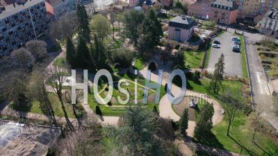 Square Lechten, Belfort, France, Pendant La Pandémie De Covid-19 - Vidéo Drone