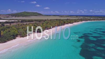 Confinement Pour Covid-19 à Sainte-Anne, Les Salines, Martinique, Par Drone