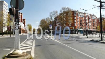 Porte Ivry Empty Boulevard