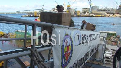 2020 - Surgical Masks And Gowns And Other Protective Medical Supplies Are Loaded Onto The Us Navy Mercy Hostpital Ship During Covid-19 Coronavirus Outbreak Epidemic.