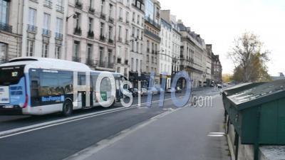 Covid19 - Bus Passant Sur Les Rives