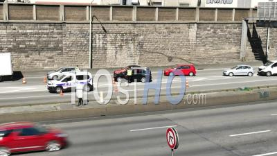Covid19 - La Police Contrôle L'entrée De L'autoroute Sud