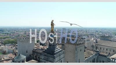 Statue Du Palais Des Papes - Vidéo Drone