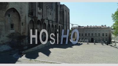 Palais Des Papes, Avignon, Pendant Le Confinement Du Au Covid-19 - Vidéo Drone