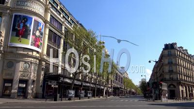 Paris Sous Confinement Du Coronavirus, Boulevard Haussmann