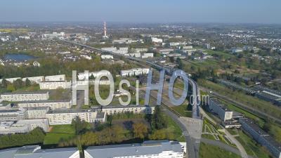 Université Vide De Rennes-1-Beaulieu De La Ville De Rennes Au Jour 16 De L'épidémie De Covid-19, France -  Vidéo Par Drone