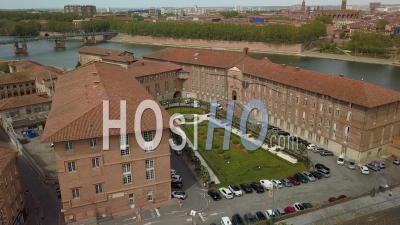 Ville De Toulouse, Quais De Garonne Et Hôtel Dieu Saint-Jacques, Centre Hospitalier -  Vidéo Par Drone